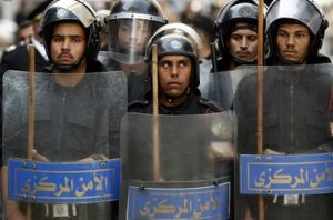 policiaEgipcia2013-07